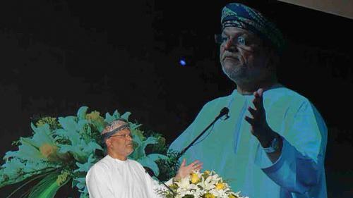 ضمن النسخة السادسة من جوائز الرئيس التنفيذي للتميز نفط عمان تكرم مواهبها الشابة من الموظفين الأكفياء